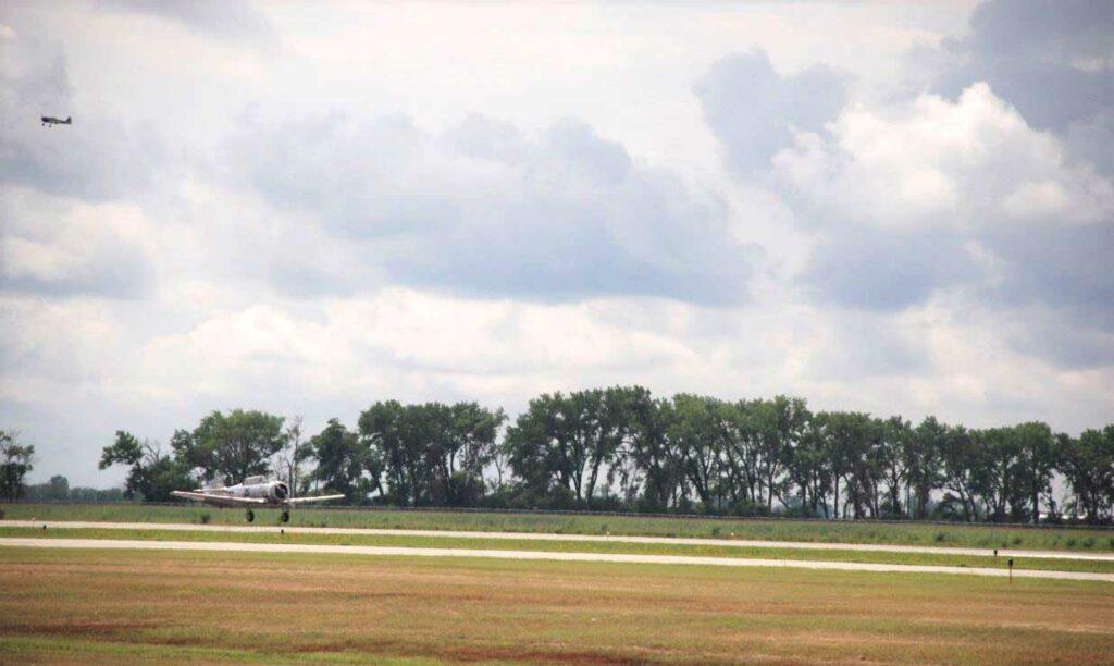T 6 Texan Landing (2)